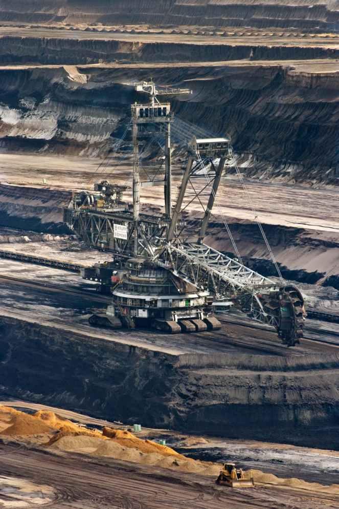 brown-coal-energy-garzweiler-bucket-wheel-excavators-60008.jpeg